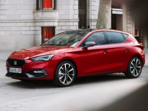 Seat leon 2020 en color rojo